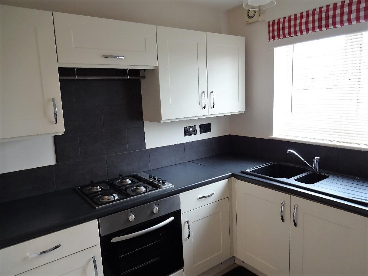 doveside drive flat 1 kitchen.jpg